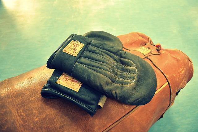 boxovací rukavice, boxovací pytel
